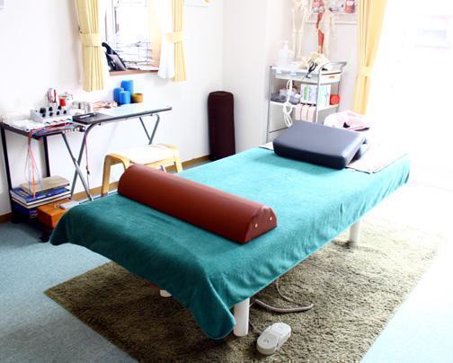 ゆったりとした部屋で施術できます