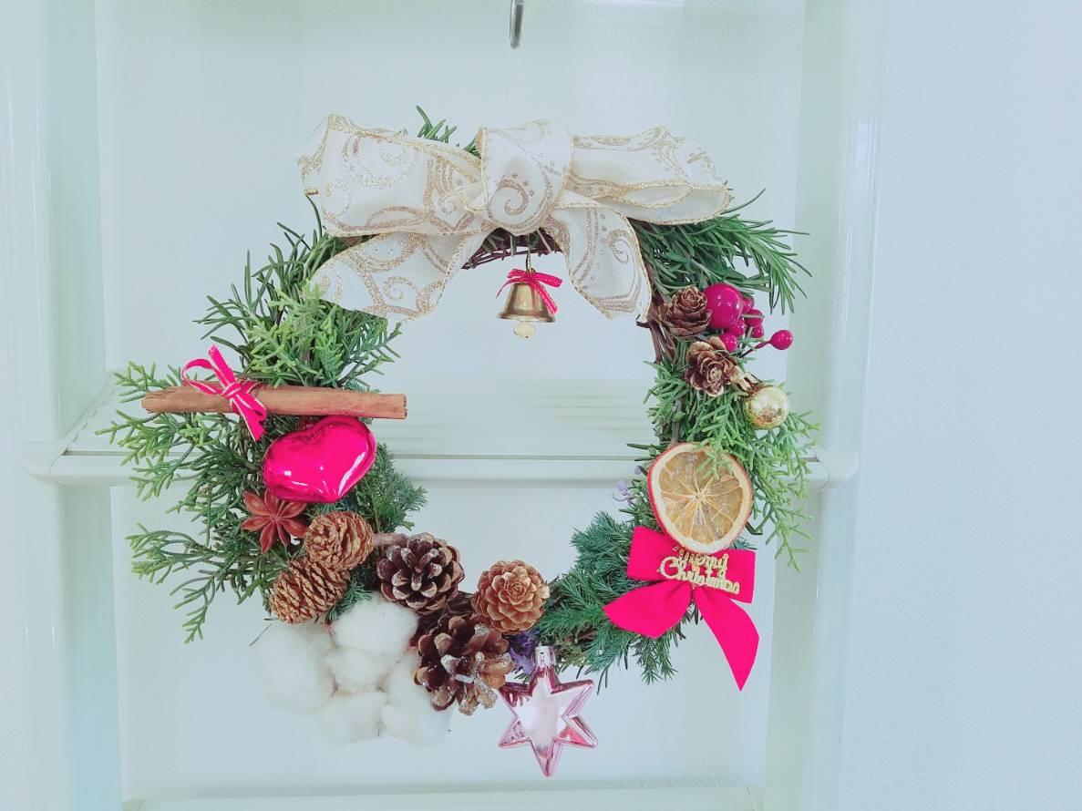 ハーブのクリスマスリース作りとヨガのワークショップ(ブランチ付き)