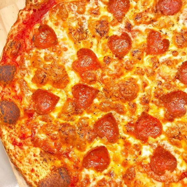 バレンタインのピザ