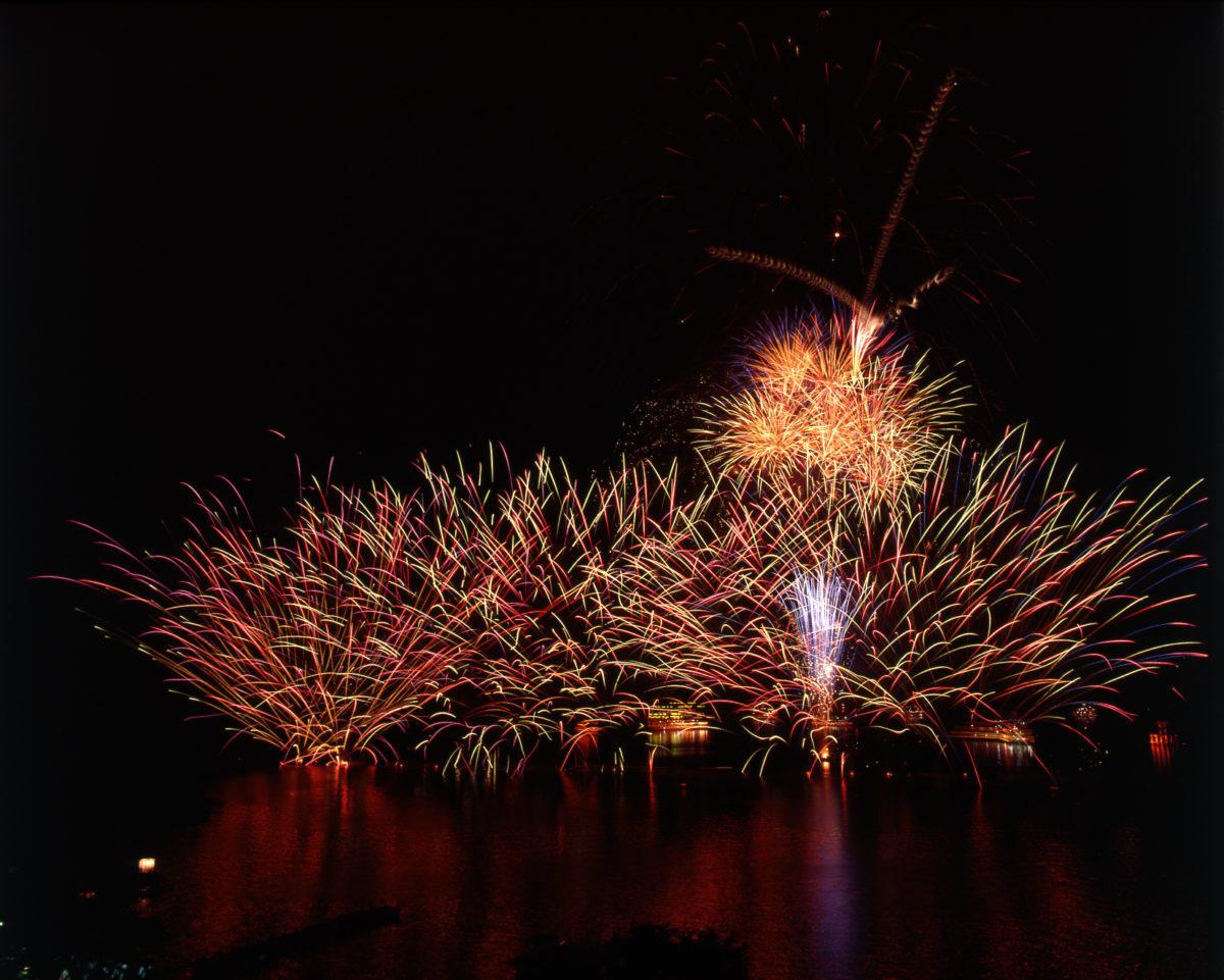 芦ノ湖夏まつりウィーク 湖水祭花火大会 ※このイベントは終了しました